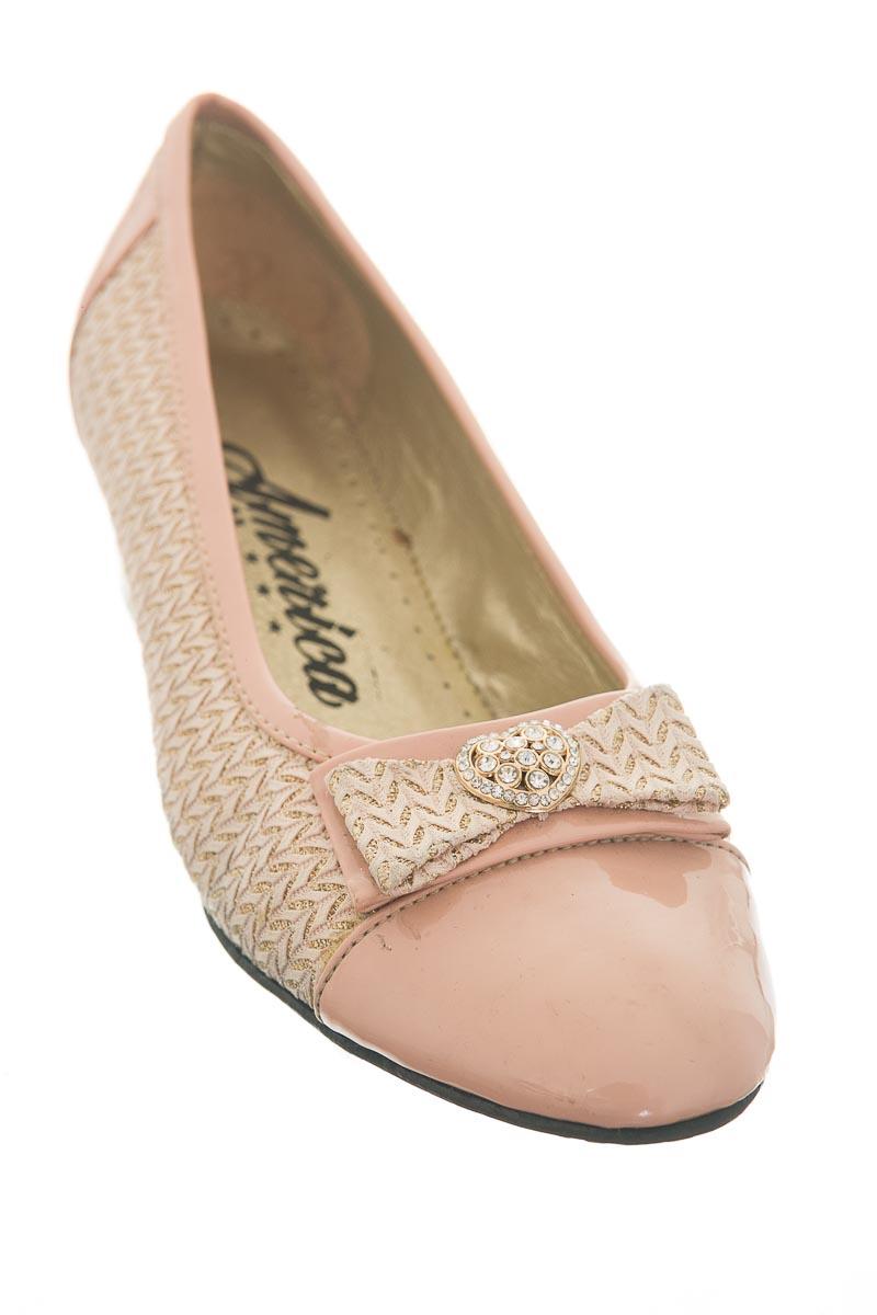 Zapatos color Rosado - America