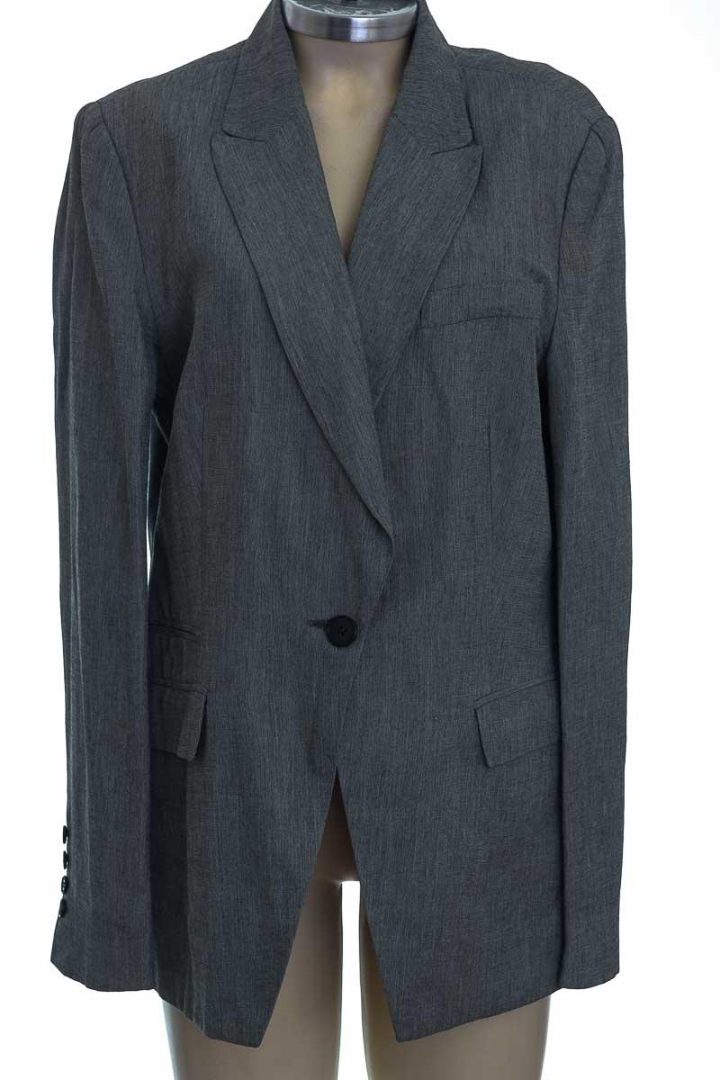 Chaqueta / Abrigo color Gris - Zara