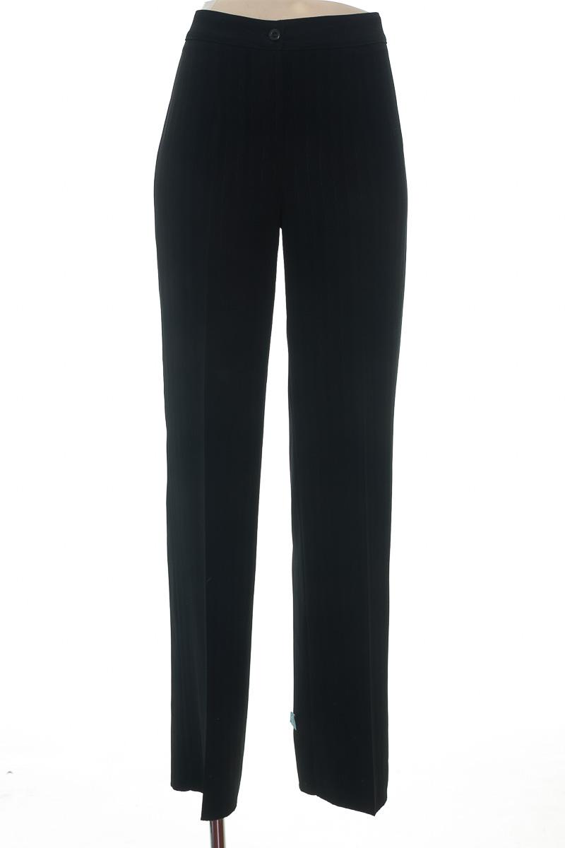 Pantalón color Negro - Closeando