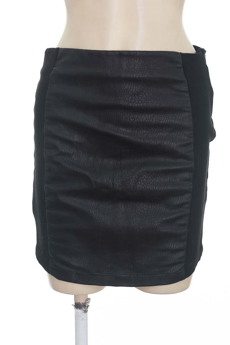 Falda color Negro - Forever 21