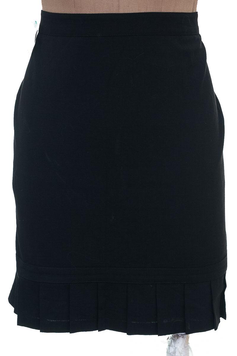 Falda Elegante color Negro - Express