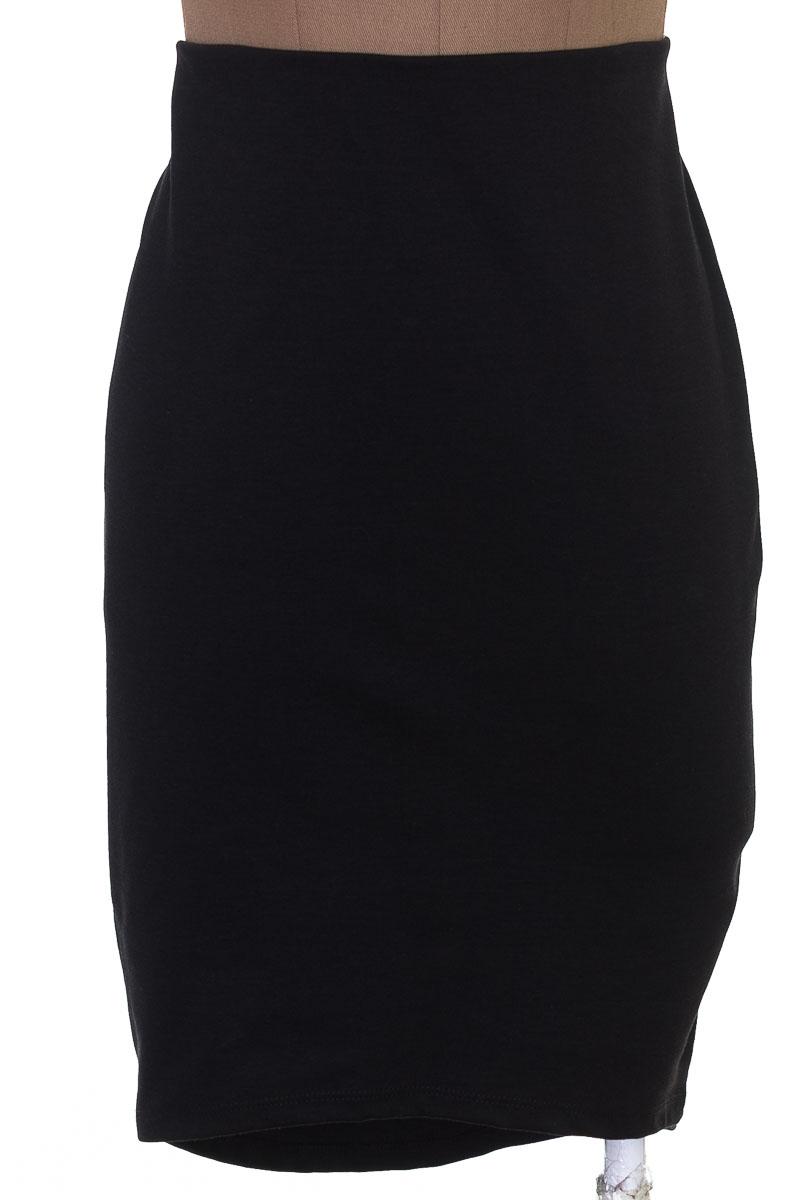 Falda Elegante color Negro - Arkitect