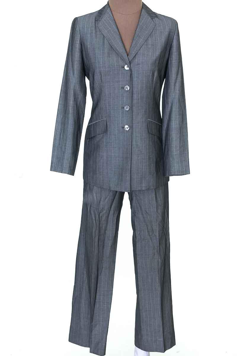 Conjunto Conjunto de Pantalón color Gris - Anne Klein