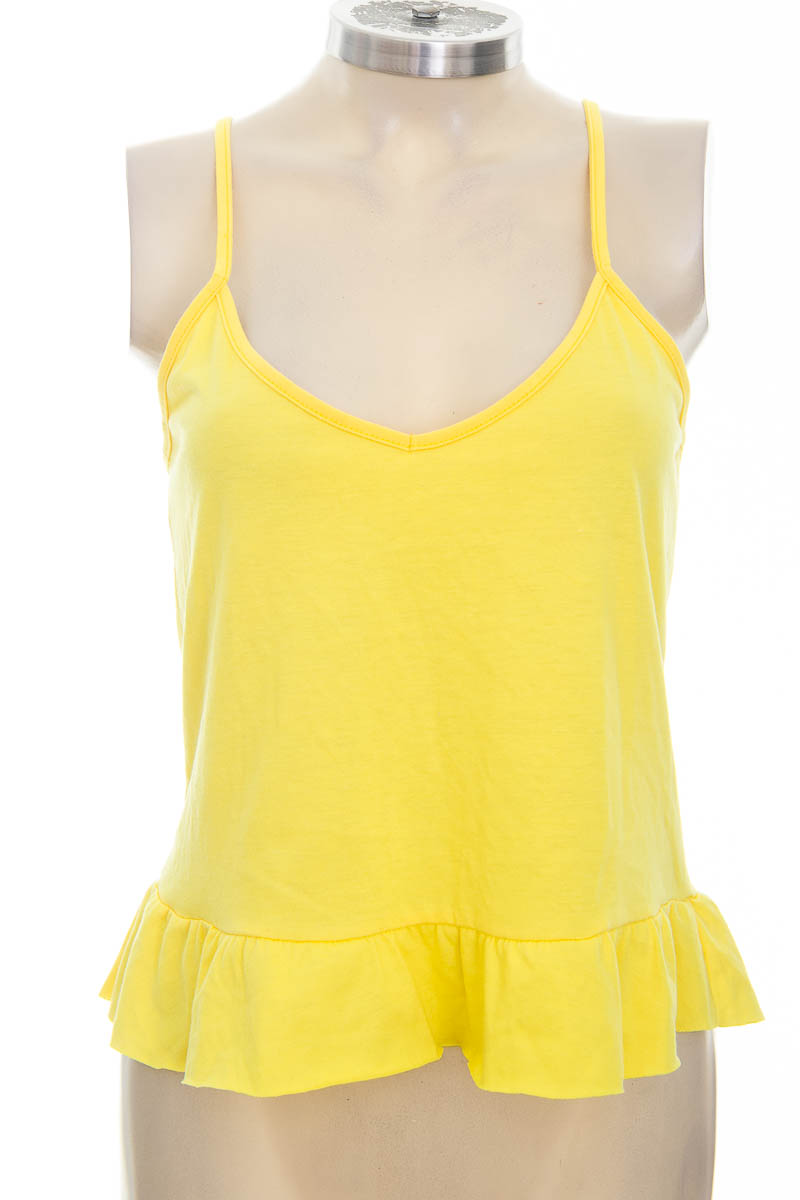 Top / Camiseta color Amarillo - Marketing Personal