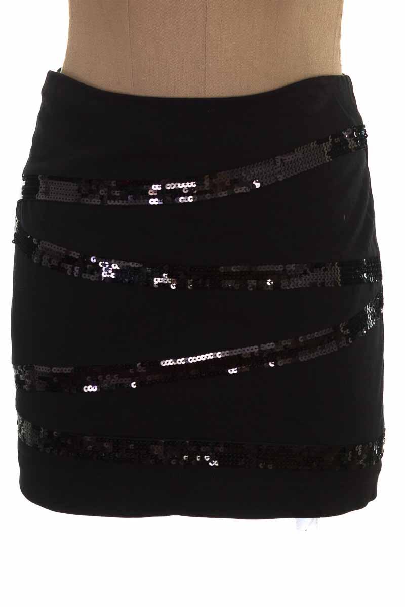 Falda Elegante color Negro - FUENTY ONE
