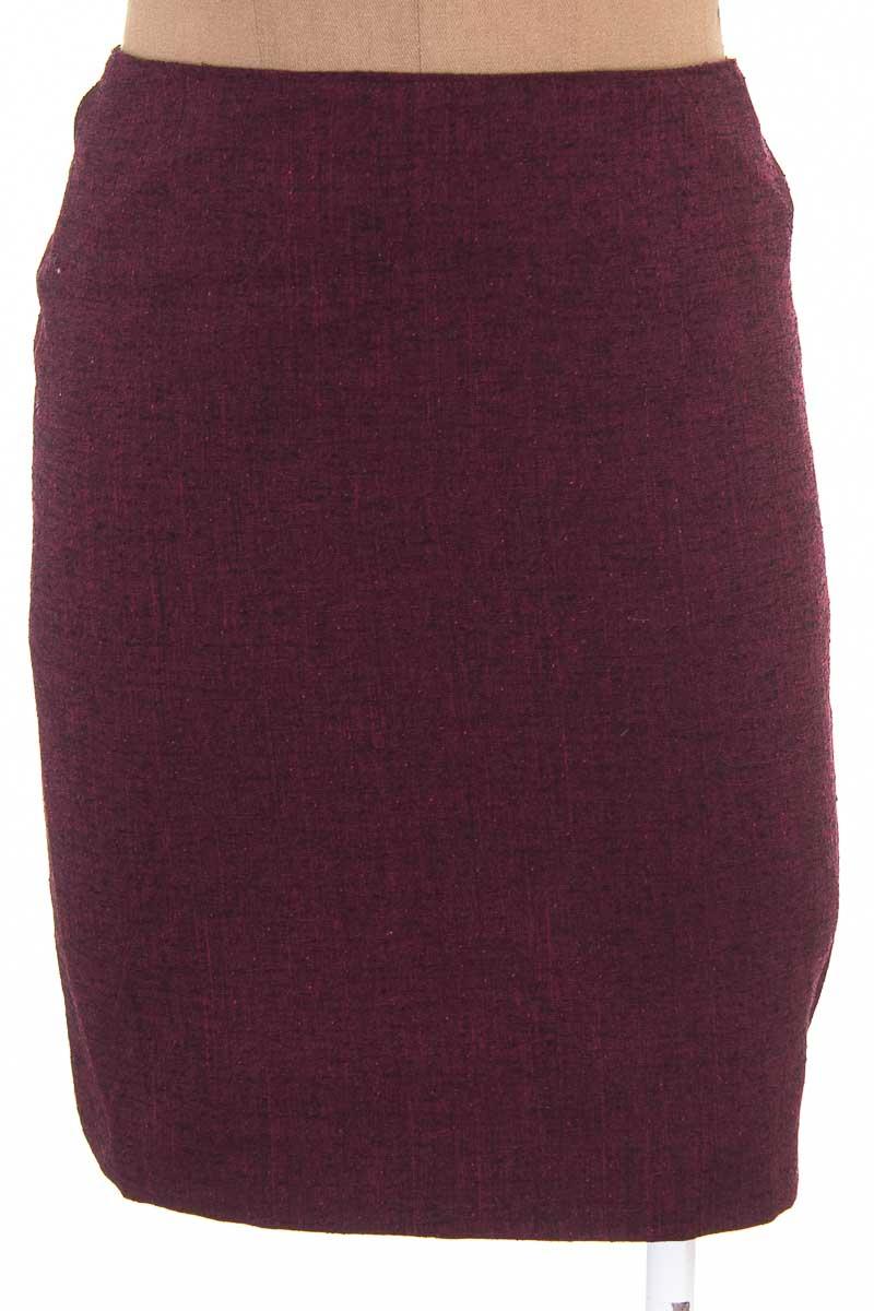 Falda Elegante color Vinotinto - Alta Sociedad