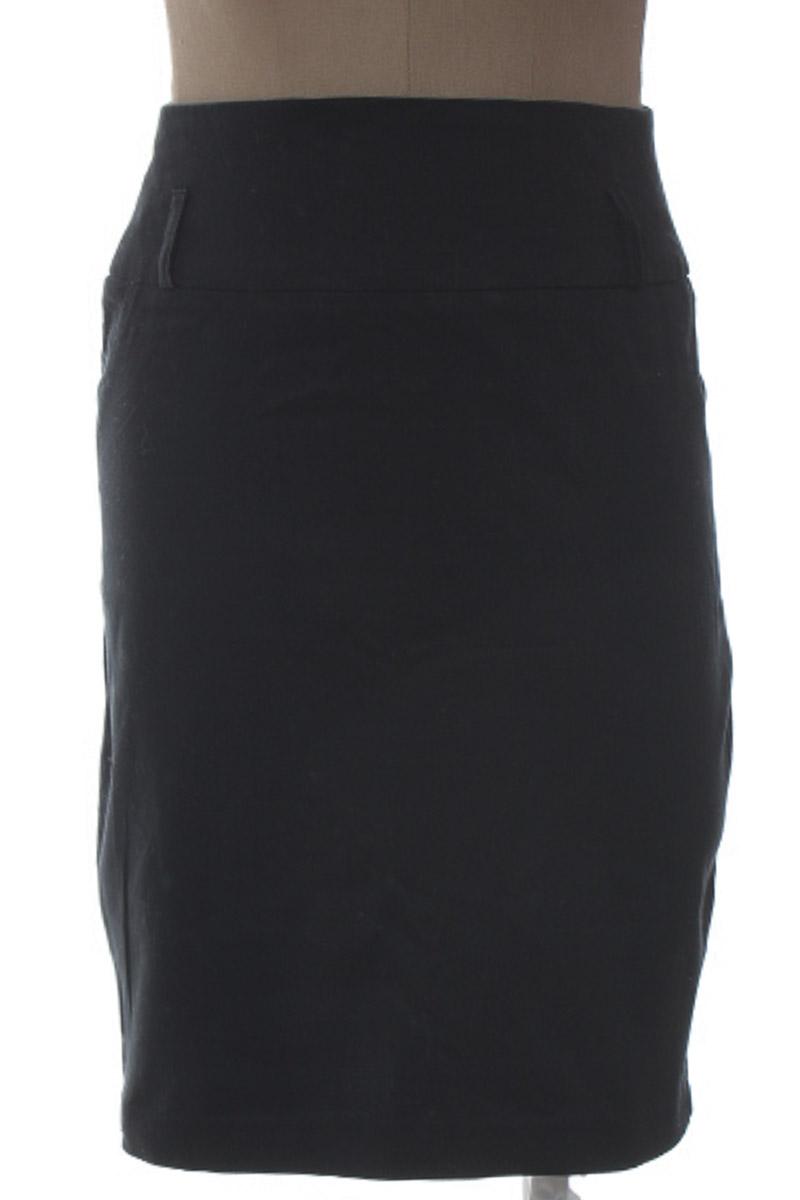Falda Elegante color Negro - XUSS