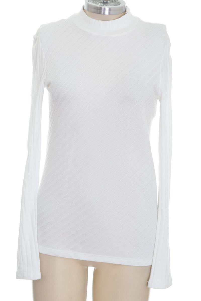 Sweater color Blanco - Closeando