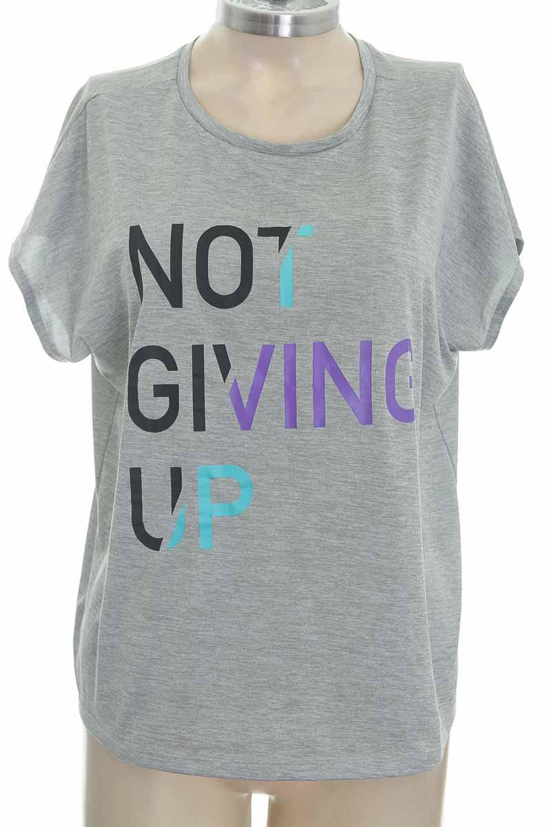 Top / Camiseta color Gris - Closeando