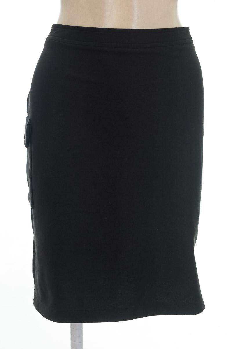 Falda color Negro - Contempo