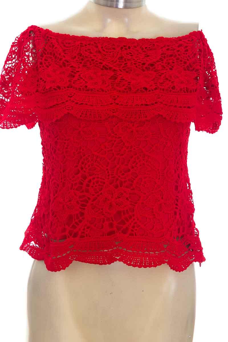Blusa color Rojo - Closeando
