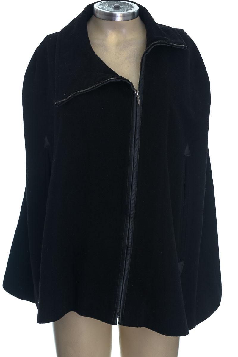 Chaqueta / Abrigo color Negro - Shyla