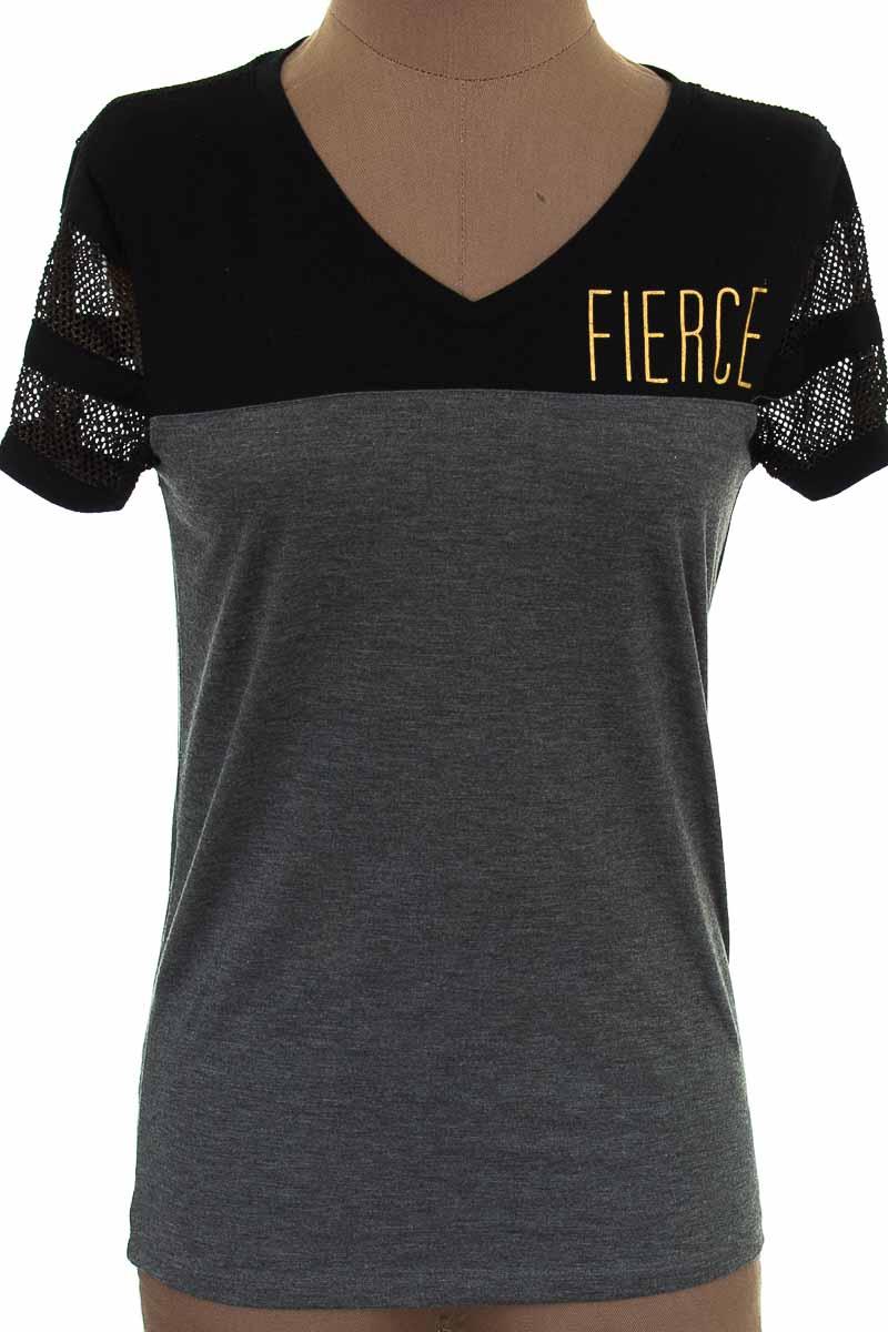 Top / Camiseta color Gris - Material Girl