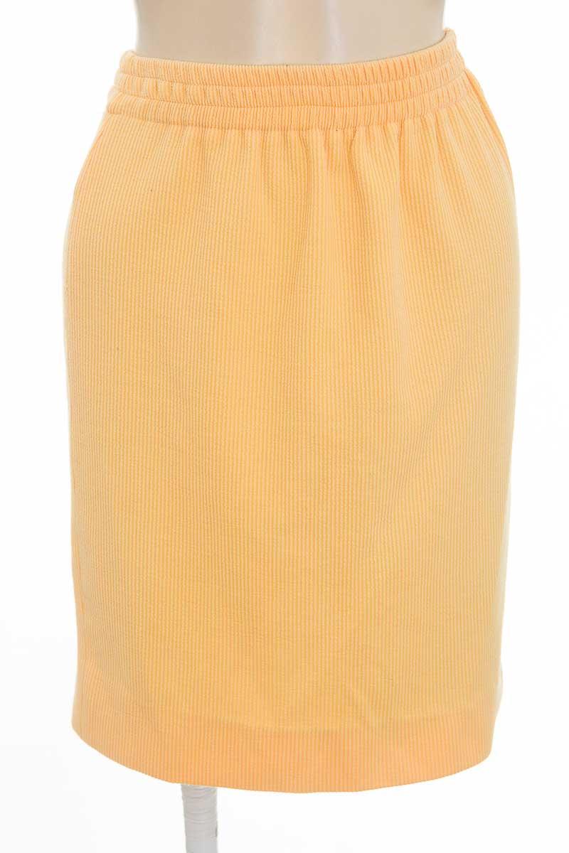 Falda color Amarillo - Closeando