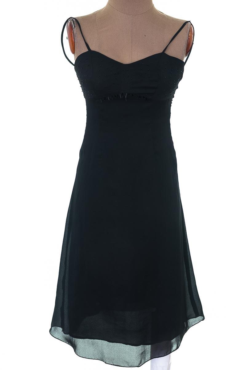Vestido / Enterizo Casual color Negro - Closeando