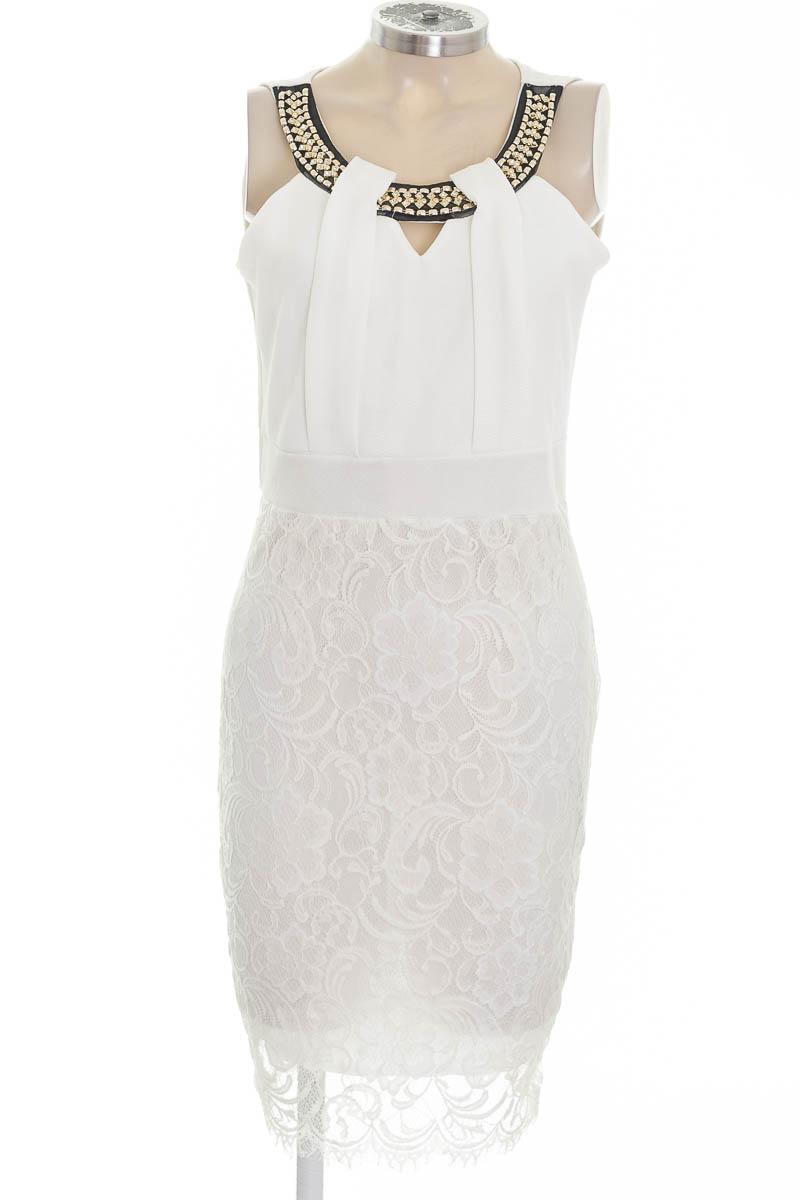 Vestido / Enterizo color Blanco - Cattlimda