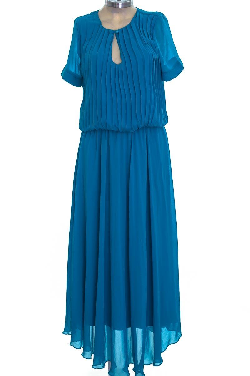 Vestido / Enterizo color Azul - Closeando