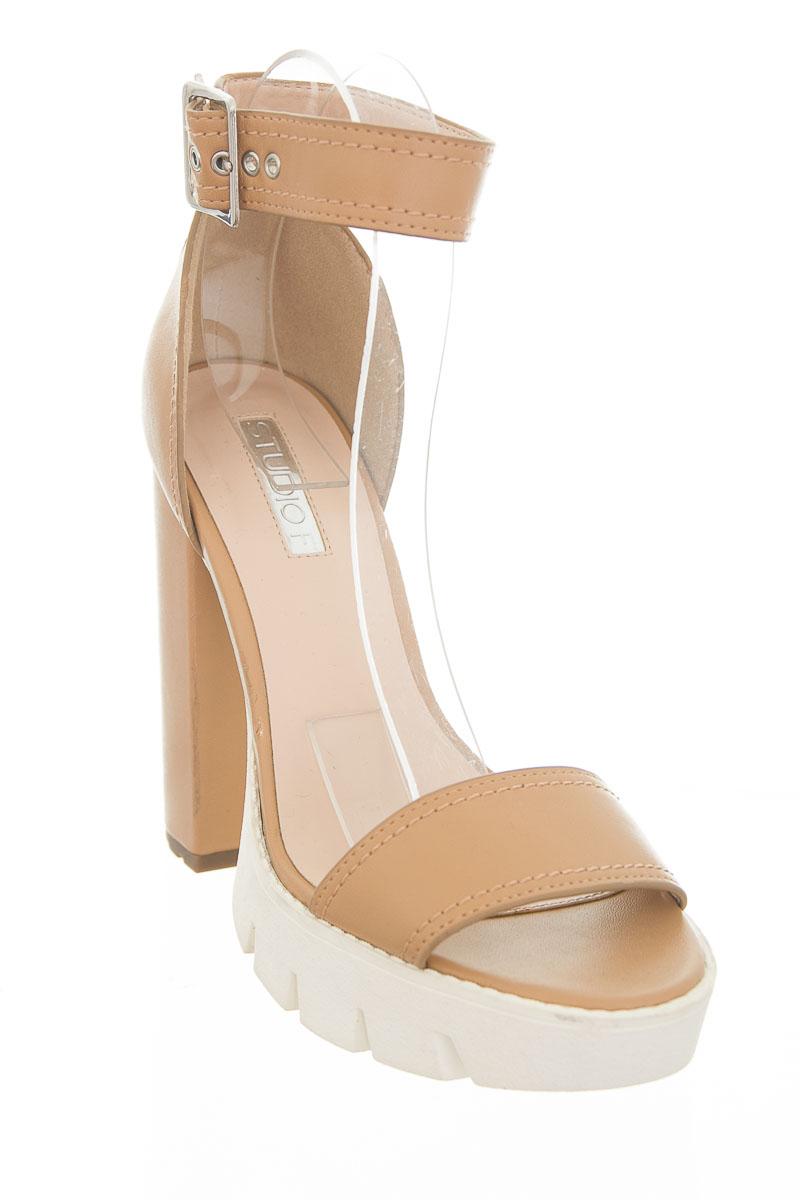 Zapatos color Café - Studio F