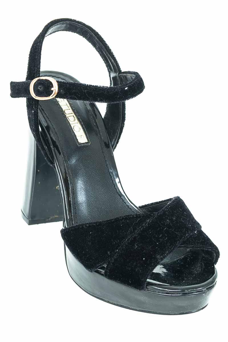 Zapatos Sandalia color Negro - Studio F