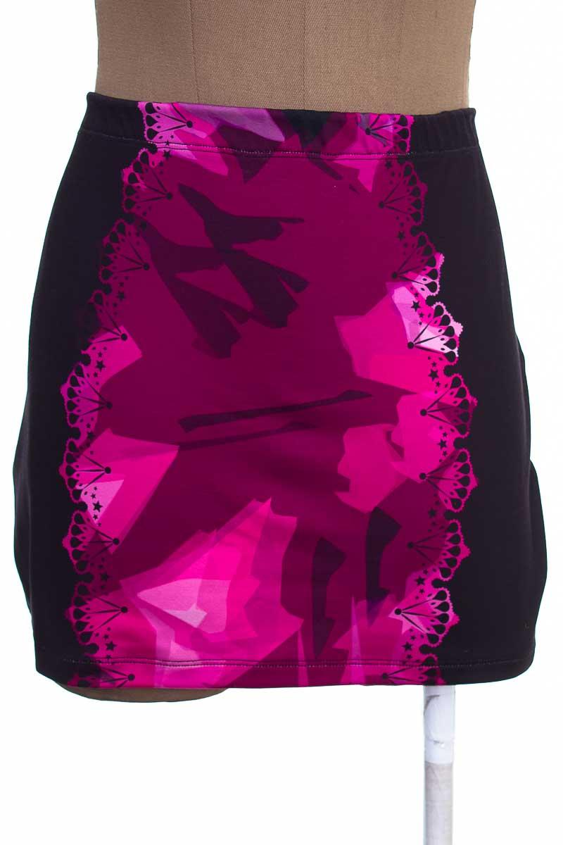 Falda Elegante color Negro - Mulata