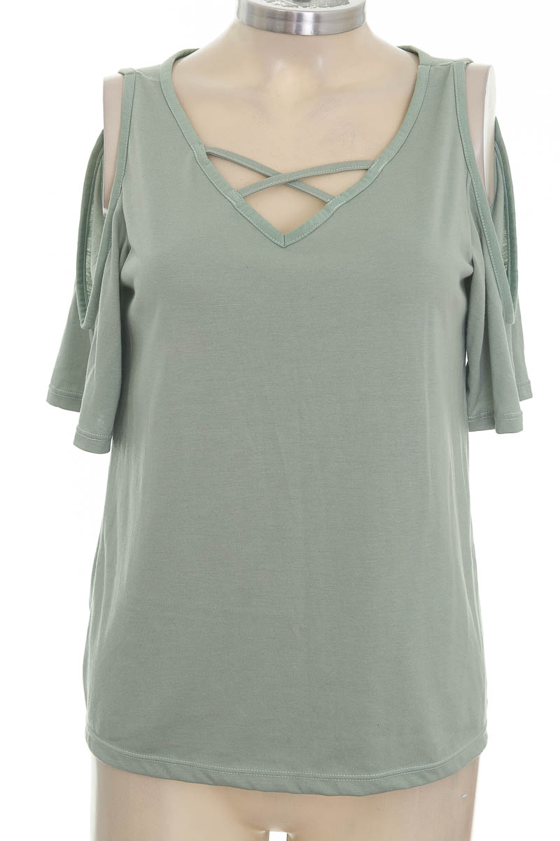 Top / Camiseta color Verde - Pacífika
