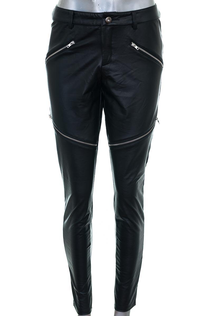 Pantalón Casual color Negro - Nasty Gal