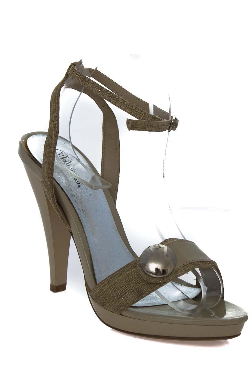 Zapatos Sandalia color Beige - Delicious