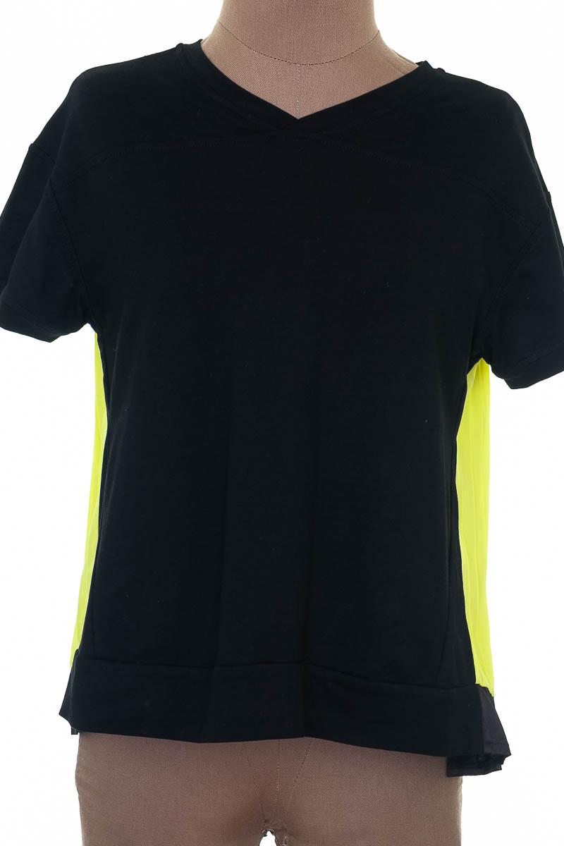 Blusa Casual color Negro - Closeando