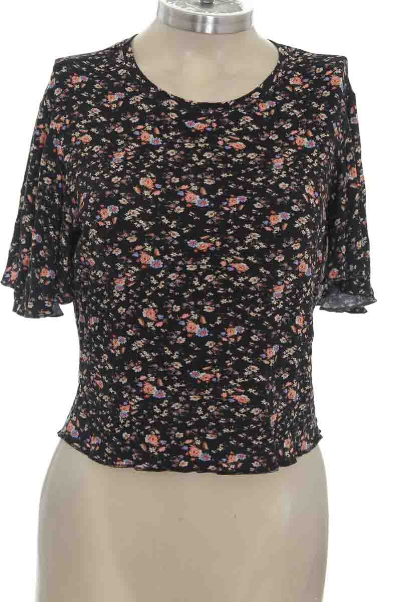 Top / Camiseta color Negro - Koaj