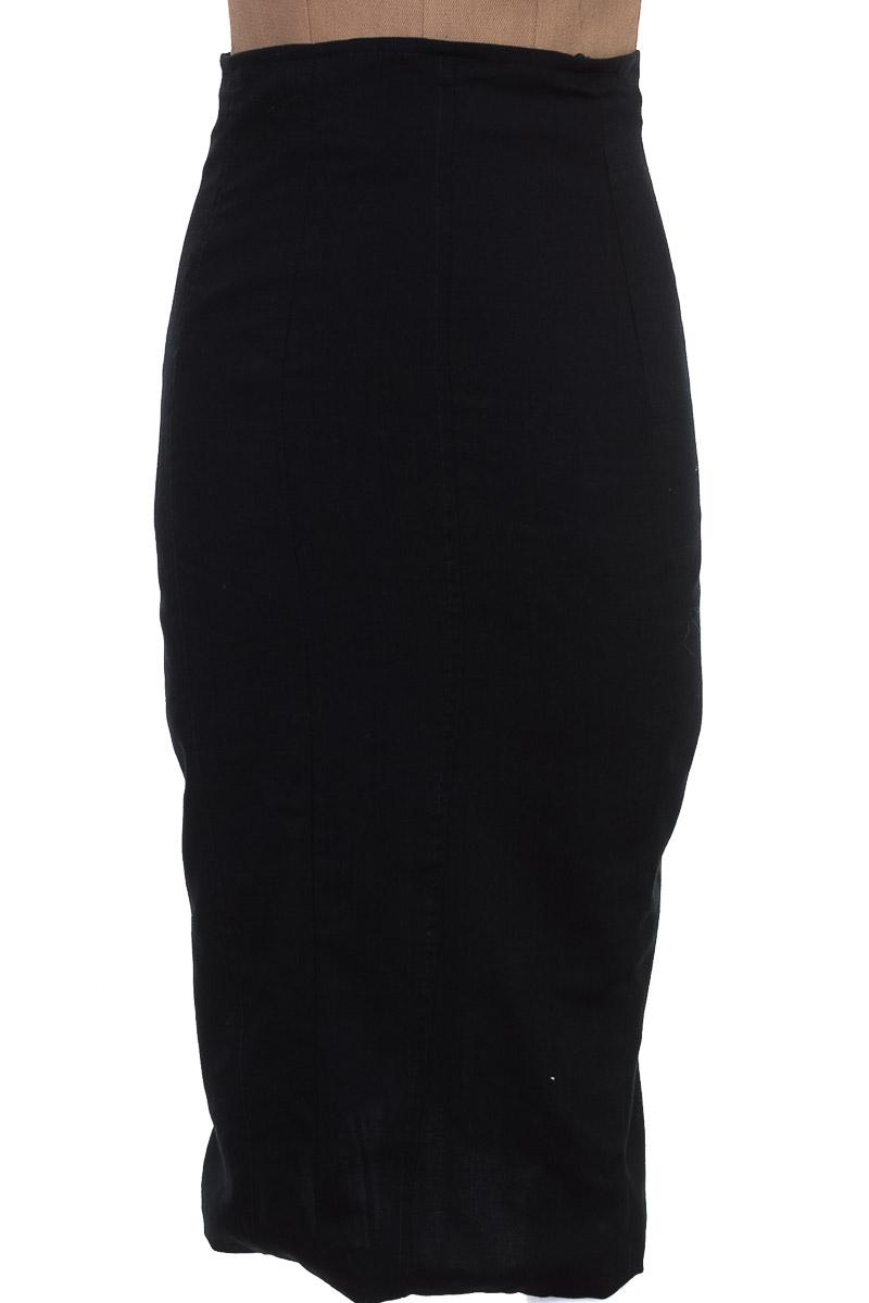 Falda Elegante color Negro - Maria Fernanda Pulgar
