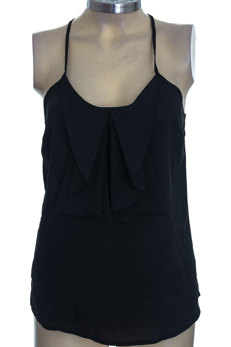 Top / Camiseta color Negro - Charlotte Russe