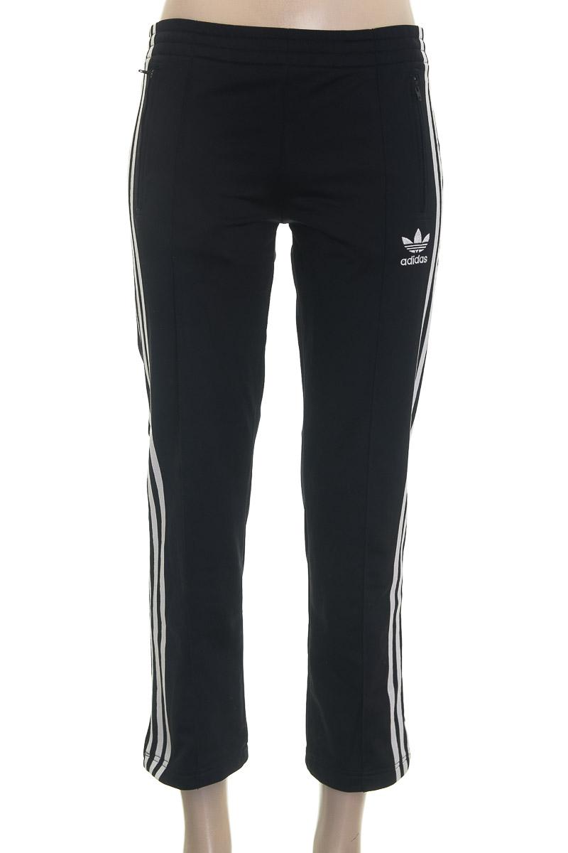 Ropa Deportiva / Salida de Baño color Negro - Adidas