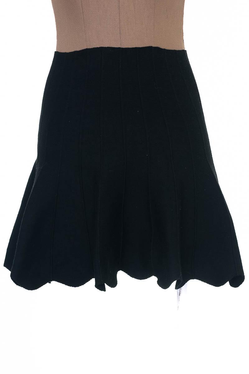 Falda Elegante color Negro - Intrigue Couture