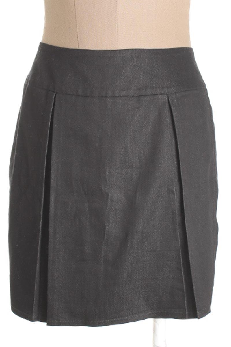Falda Elegante color Negro - Charby