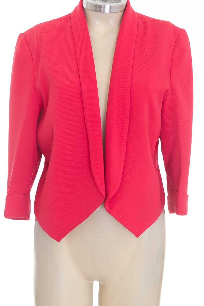 Chaqueta / Abrigo color Rojo - L&H