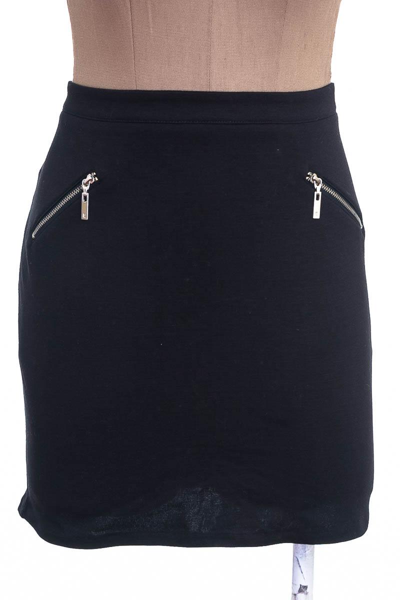 Falda Elegante color Negro - ELA