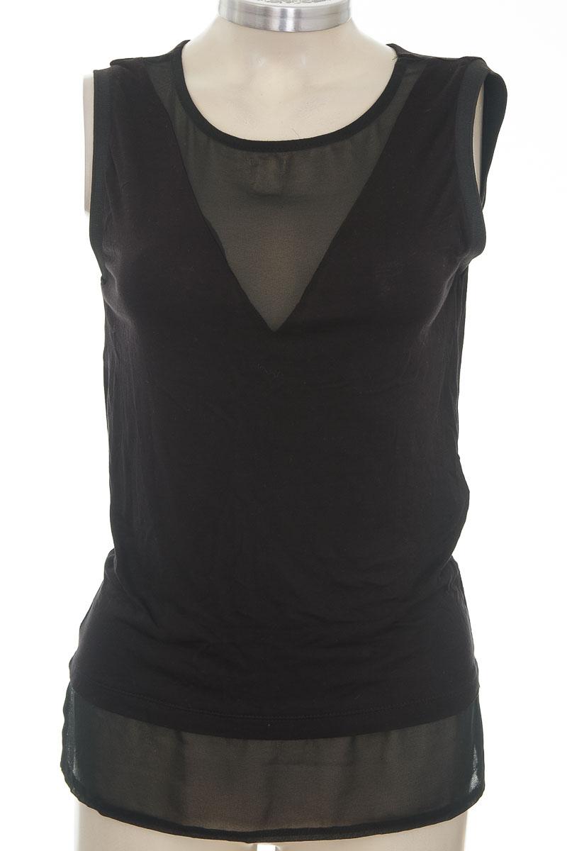 Top / Camiseta color Negro - Stradivarius