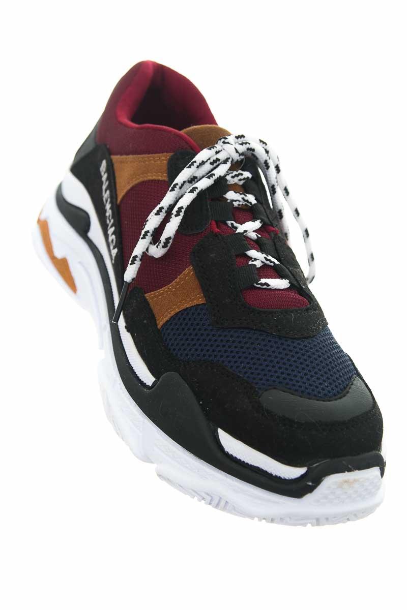 Zapatos color Vinotinto - Closeando