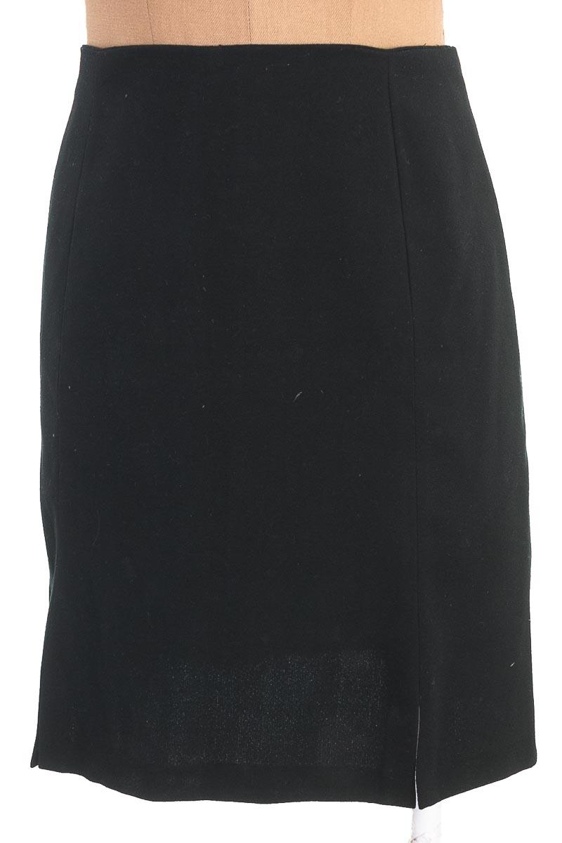 Falda Elegante color Negro - Armi