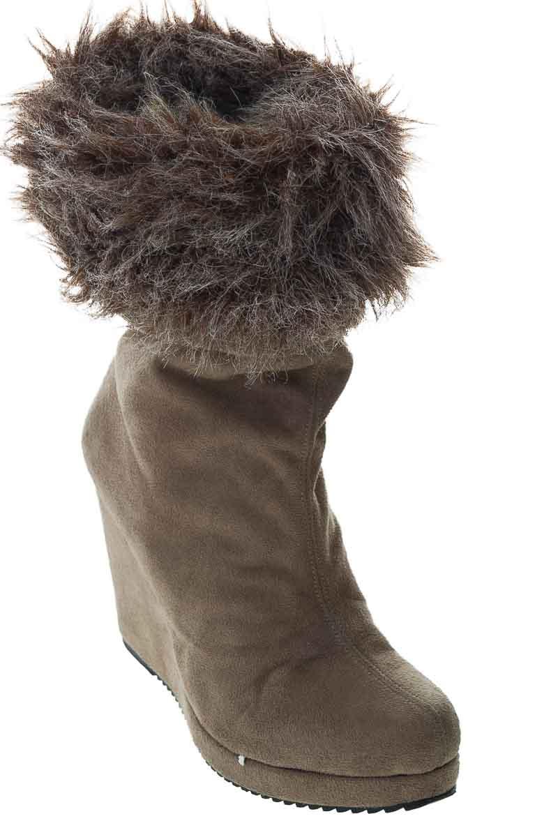 Zapatos Bota color Beige - Closeando