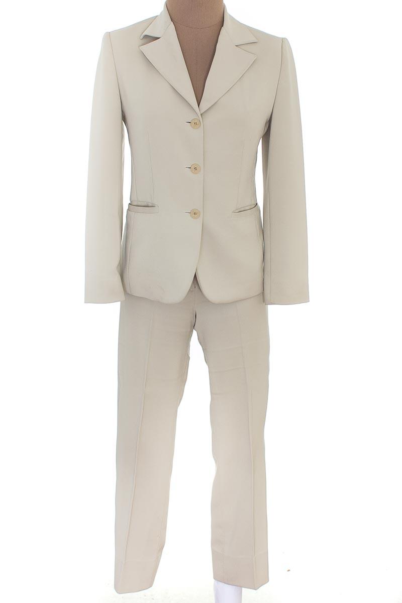 Conjunto Conjunto de Pantalón color Beige - Armi