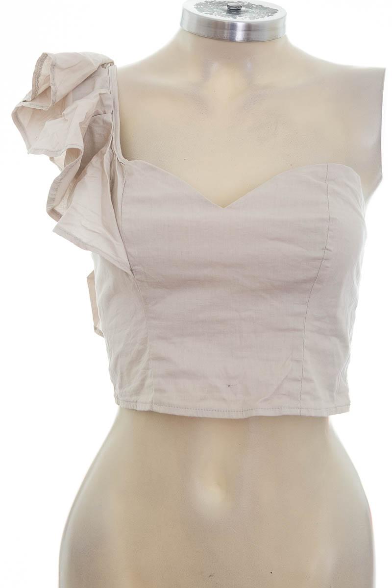 Top / Camiseta color Beige - Closeando