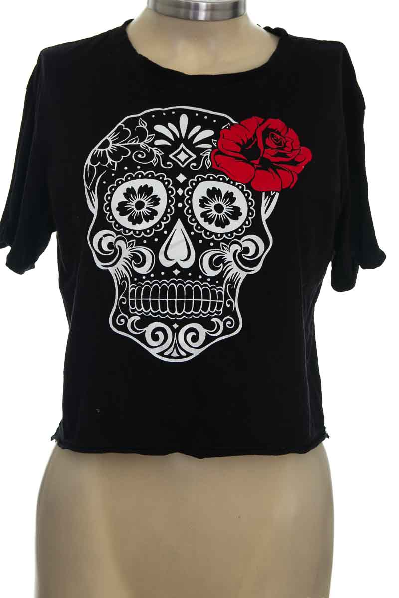 Top / Camiseta color Negro - T-SHIRTS