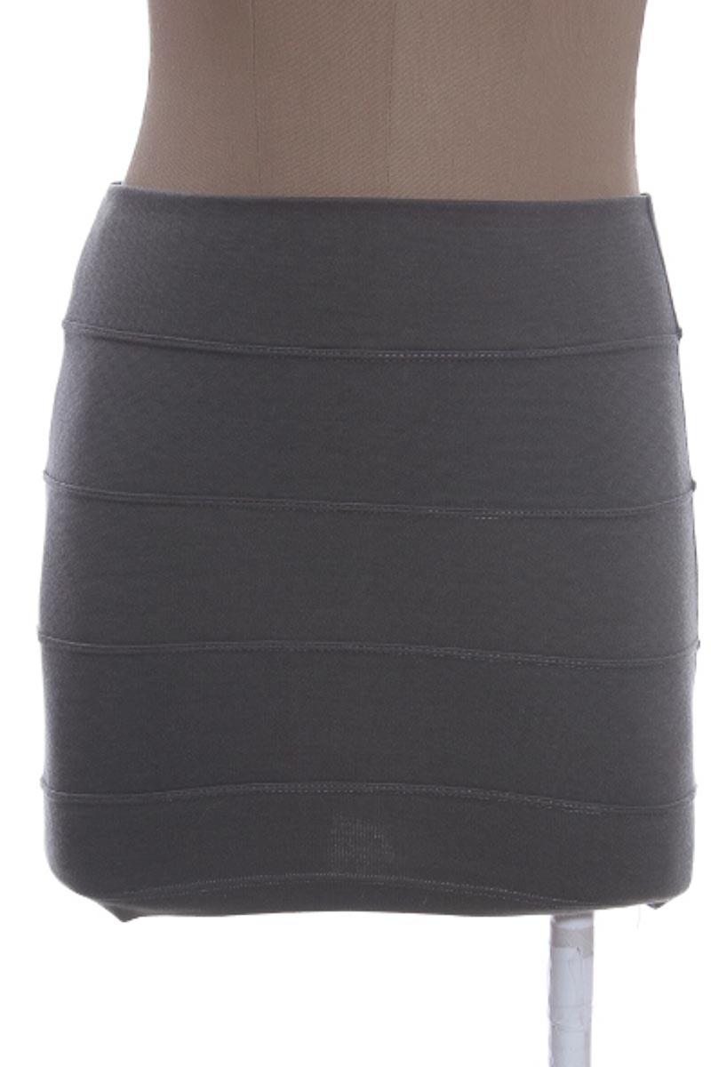 Falda Elegante color Gris - Nivi