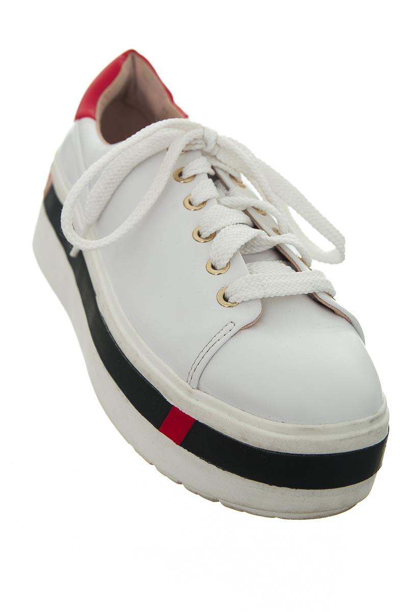 Zapatos color Blanco - Stradivarius