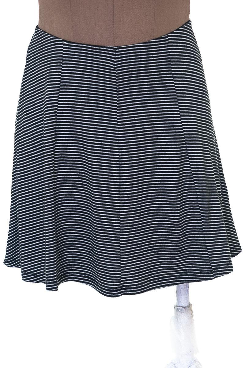 Falda Casual color Negro - Pull & Bear