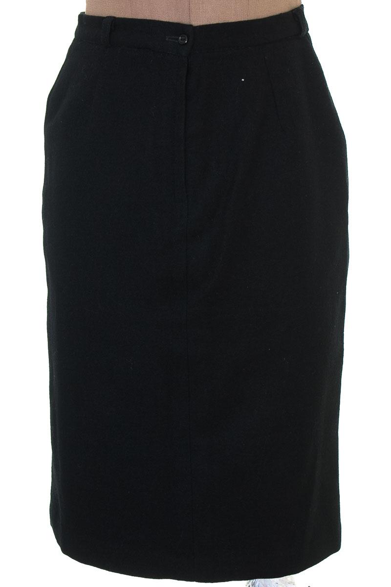 Falda Elegante color Negro - Mona Lisa