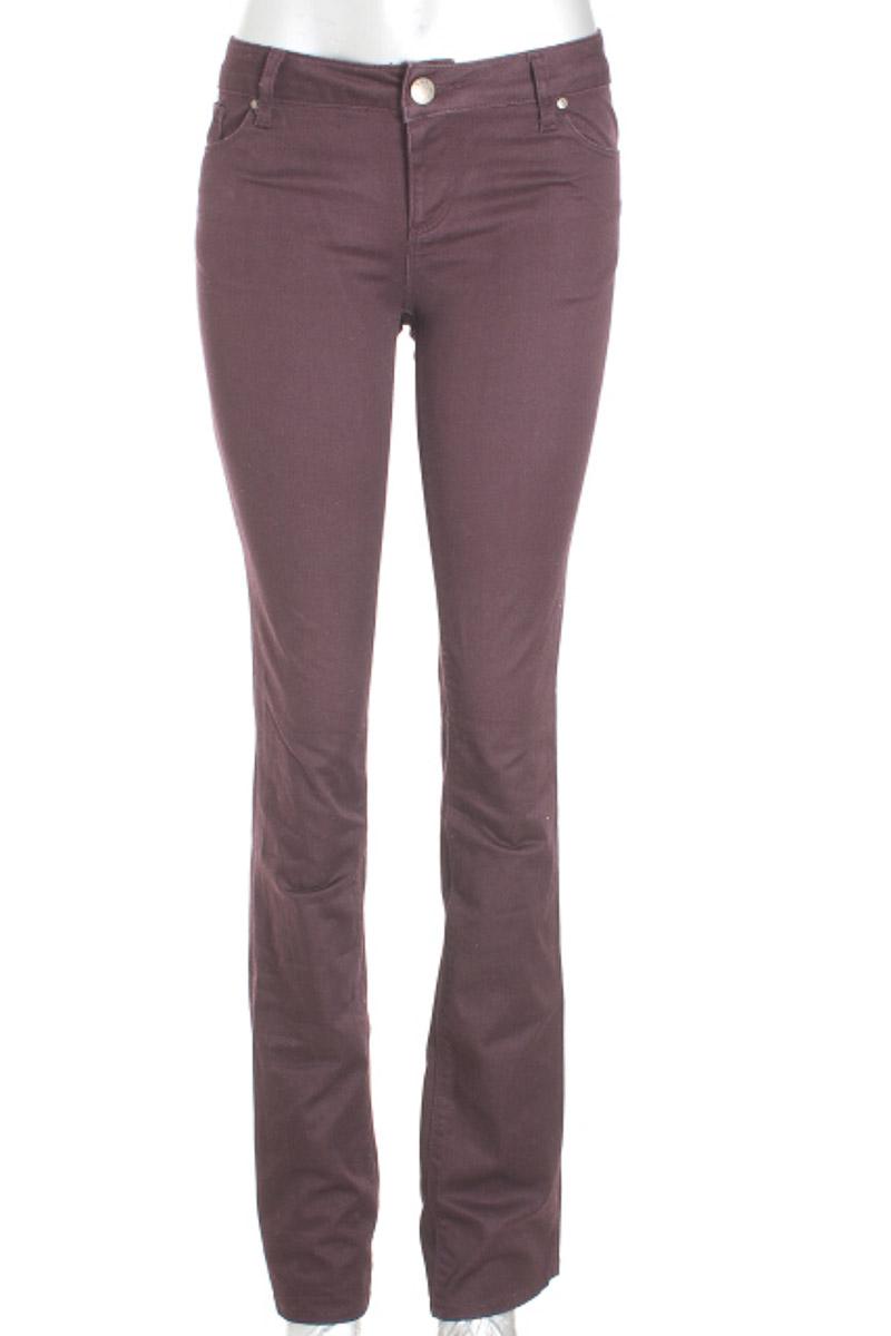 Pantalón Casual color Vinotinto - Zara