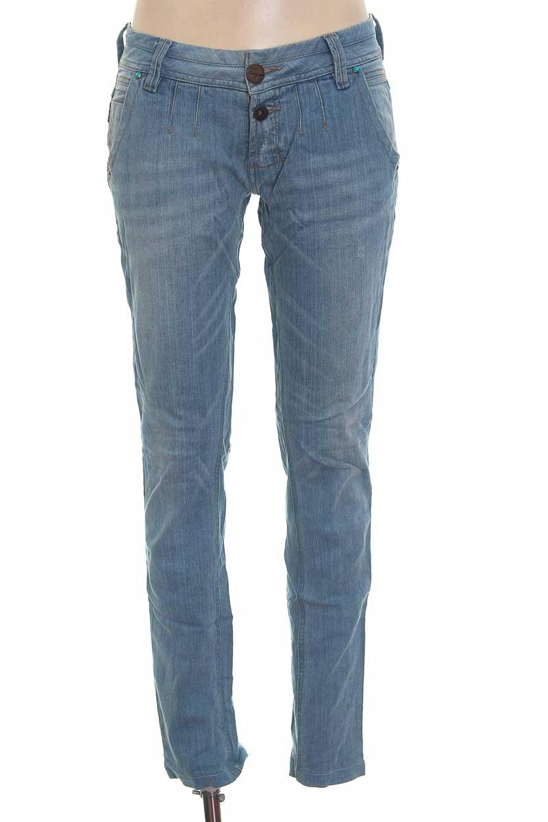 Pantalón color Azul - Chevignon
