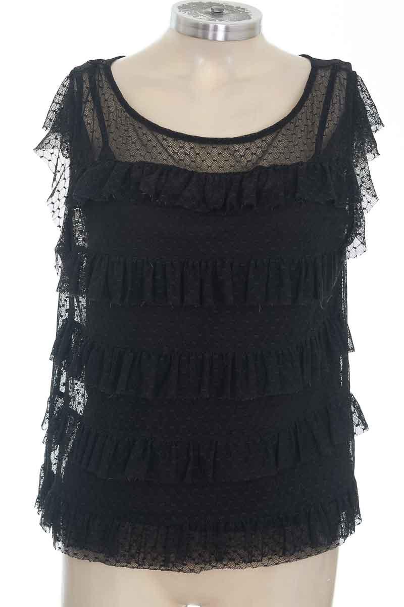 Blusa color Negro - Basement